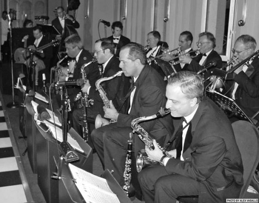 vintage swing band